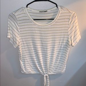 super soft tied crop